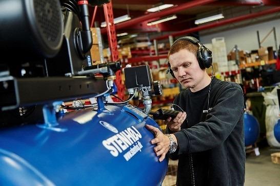 Den kendte blå STENHØJ kompressor produceres  fortsat i Danmark på fabrikken  i Barrit.